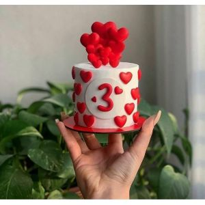 Love is in the air Mini cake