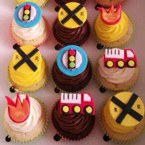 Transport Themed Cupcakes| Dottedi